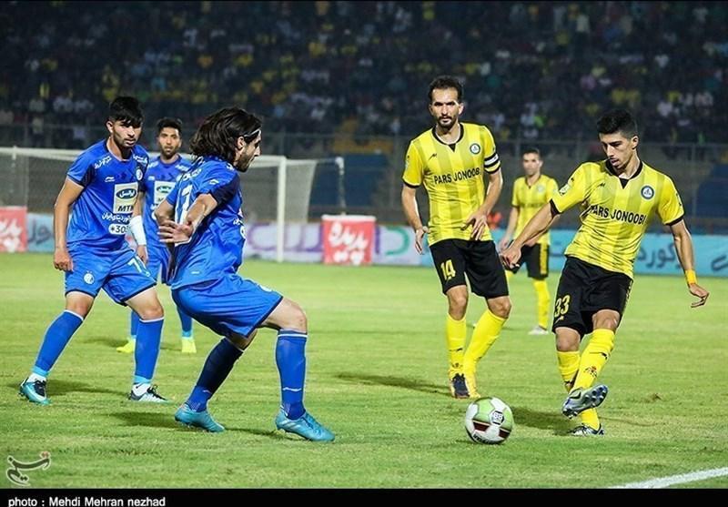 محمد ستاری: بازیکنان استقلال خوزستان خیلی به داور اعتراض می کردند، قرار بود بیش از 15 درصد به اعضای تیم پرداخت گردد