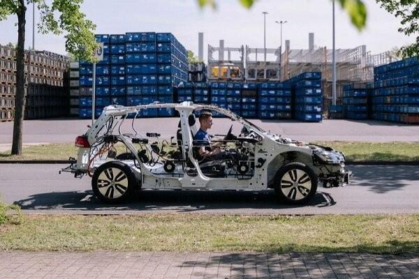 فراوری اسکلت خودروی برقی برای آموزش به دانشجویان