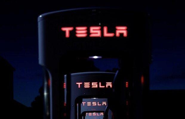 تسلا در پی فراوری باتری خودروهای برقی
