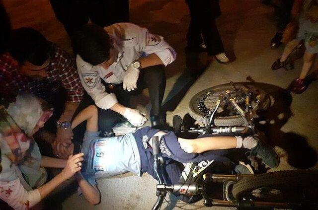 فرورفتن فرمان دوچرخه در پای یک نوجوان در جنت آباد