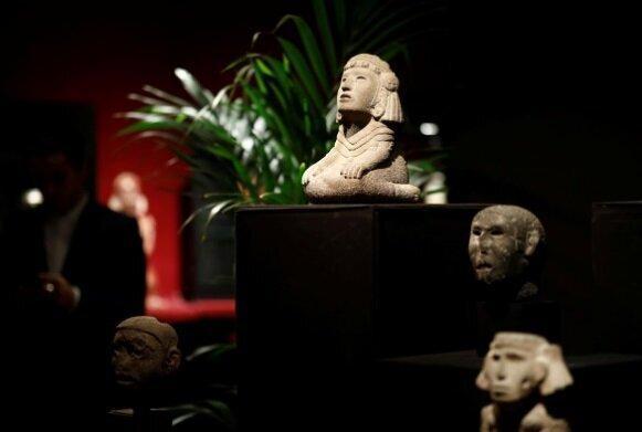 کشمکش بر سر فروش آثار باستانی در یک حراجی