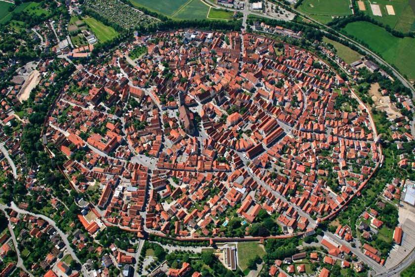 با شهرهای محصور با دیوار در جهان آشنا شوید
