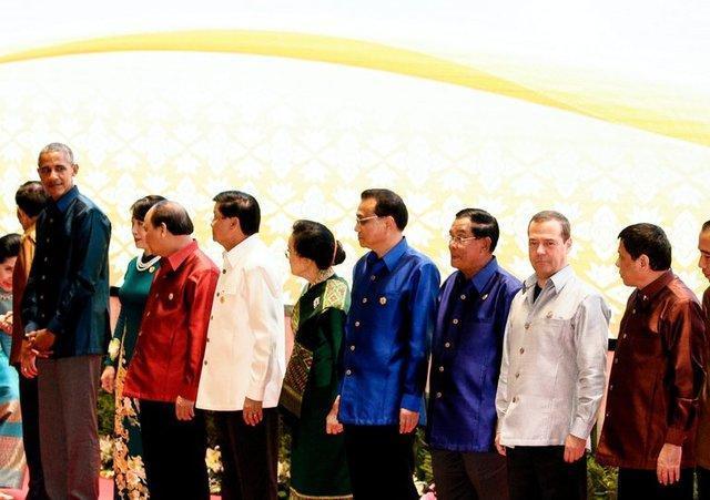 اوباما چشم به روی توهین ها بست و با رئیس جمهوری فیلیپین دیدار کرد