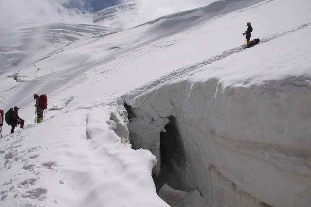 سفری به دیواره های برفی کوهرنگ