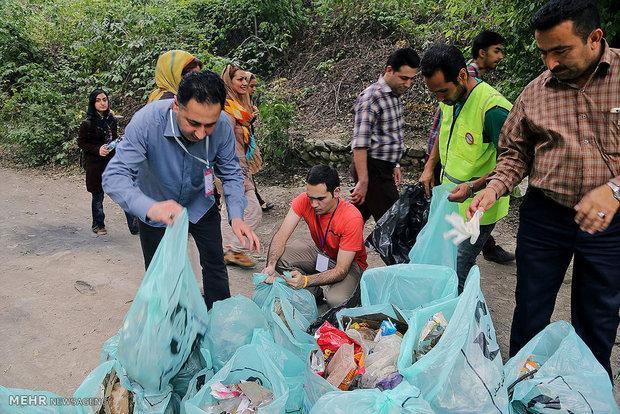 همایش ملی پاکسازی تفرجگاه ها در جنگل فندقلو برگزار گشت