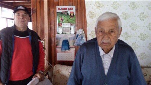 خبرنگاران سرمربی اسبق تیم کشتی فرنگی ترکیه در 102 سالگی: در خانه بمانید