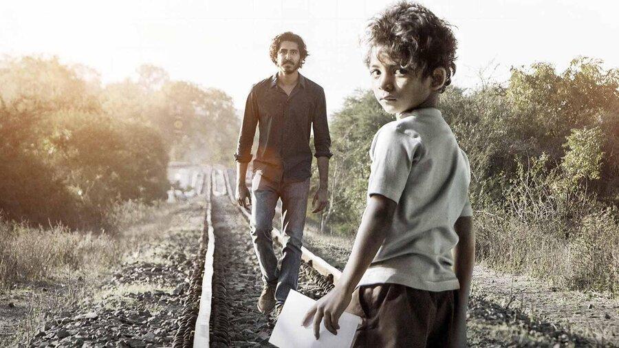 معرفی فیلم شیر (لیون)؛ سفری به هندوستان با غم و اندوه بسیار