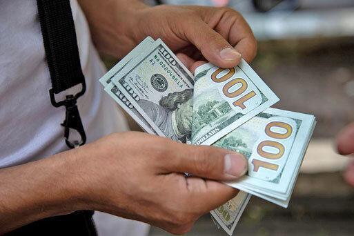 دلار در کانال 17 هزار تومان جاخوش کرد ، جدیدترین نرخ ها