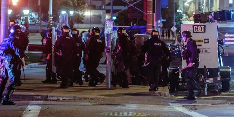 کشته و مجروح شدن افسران پلیس آمریکا در حادثه تیراندازی در تگزاس