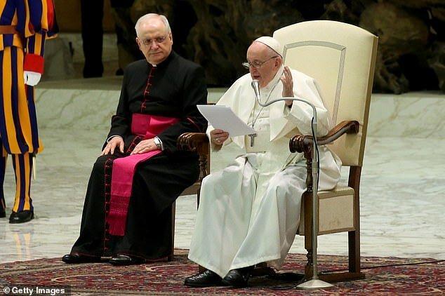 کرونا زن است یا مرد؟، پاپ فرانسیس پاسخ داد