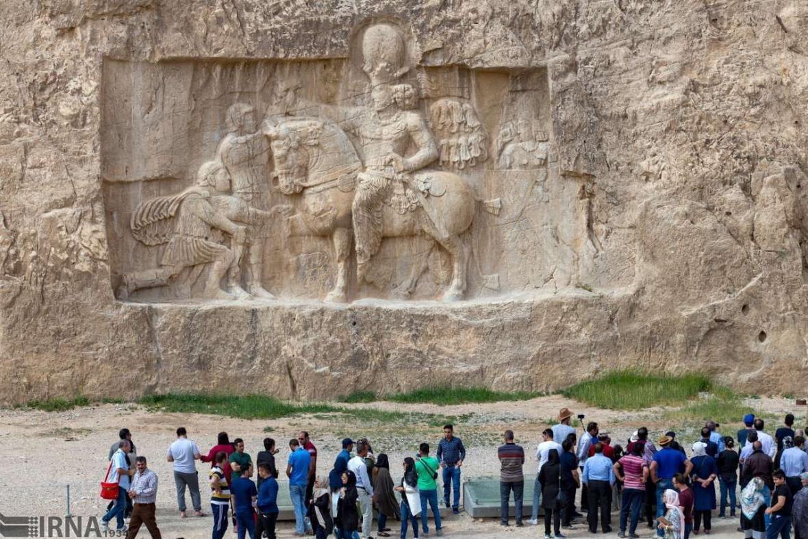 وقتی سنگ ها روایتگر تاریخ می شوند؛ نقش رستم سفر به دل تاریخ