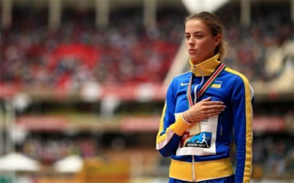 دختر 19 ساله رکورد پرش ارتفاع دنیا را شکست