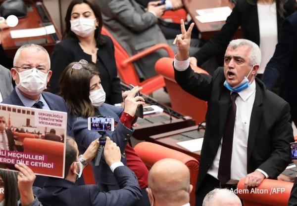 ترکیه یک نماینده اخراجی مجلس را بازداشت کرد