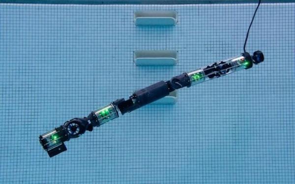 رباتی که زیرآب شنا می نماید