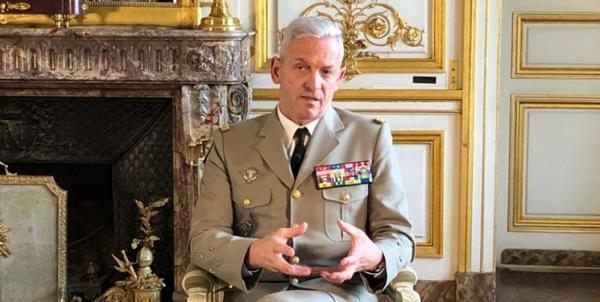 فرمانده فرانسوی: نباید در رقابت آمریکا و چین درگیر شویم